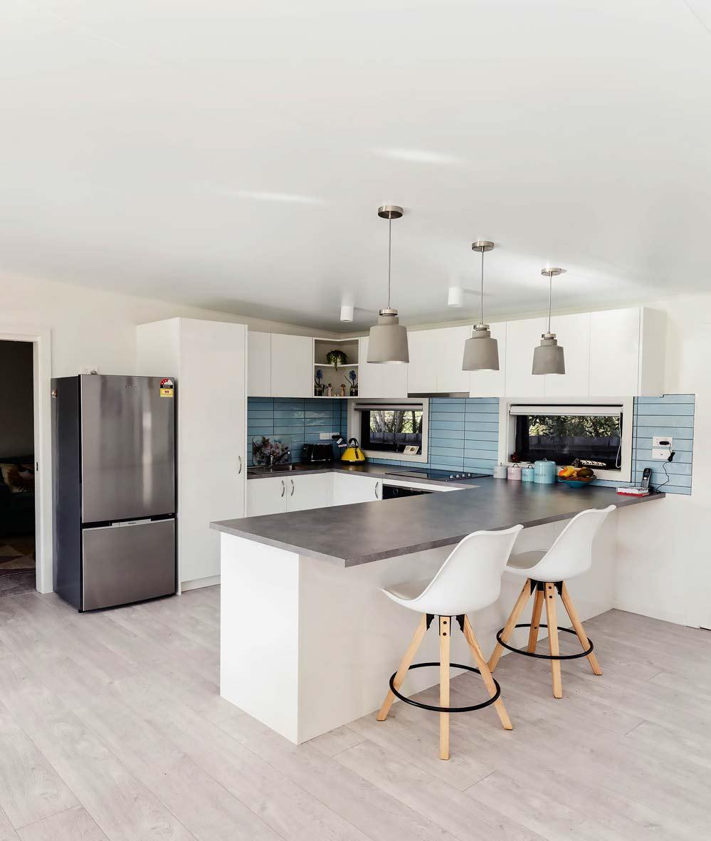 granny-flats-melbourne-garden-studios-au-image-mtmartha-kitchen